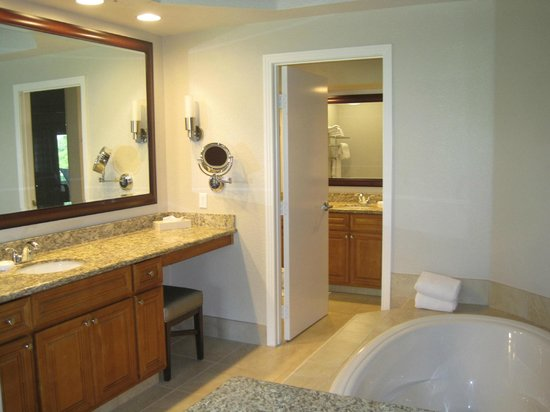 Marriott's Desert Springs Villas I: Part of the master bathroom suite
