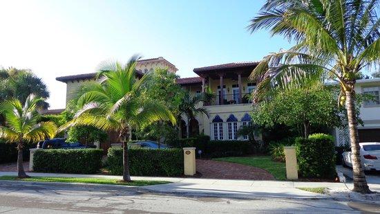 Hotel Biba El Cid Neighborhood Palm Beach