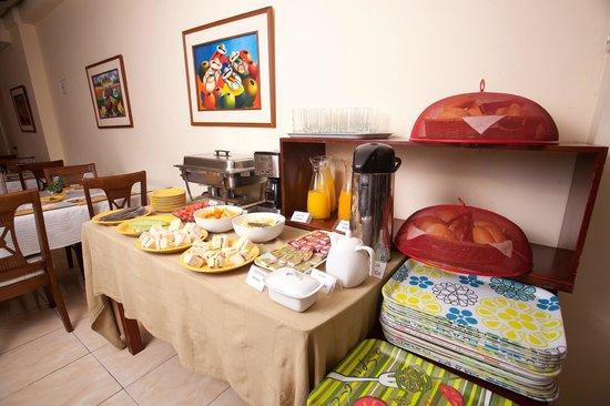El Farolito Hotel: Breakfast Buffet