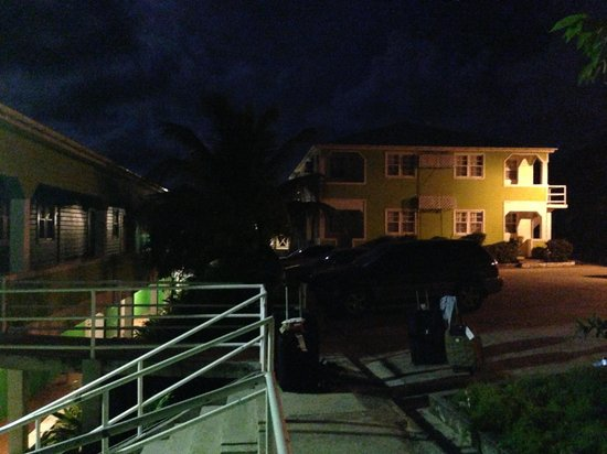 Paige Pond Country Inn: View of apartments by night
