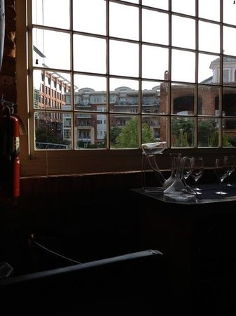 Larkin's On The River : view from our seat