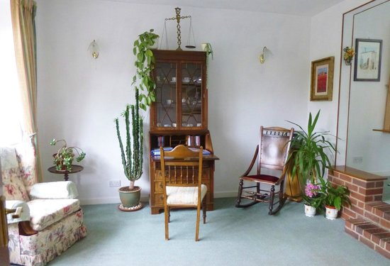 Brook Lodge Guest House: lounge