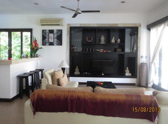 The Zen Villas : living room