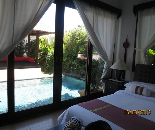 The Zen Villas : looking out onto the pool