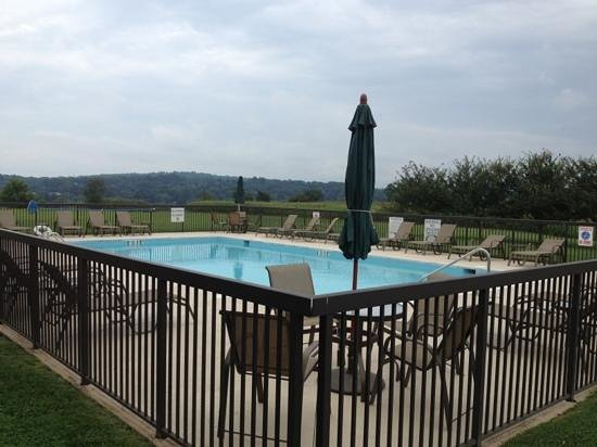Holiday Inn Express Orange : Pool.