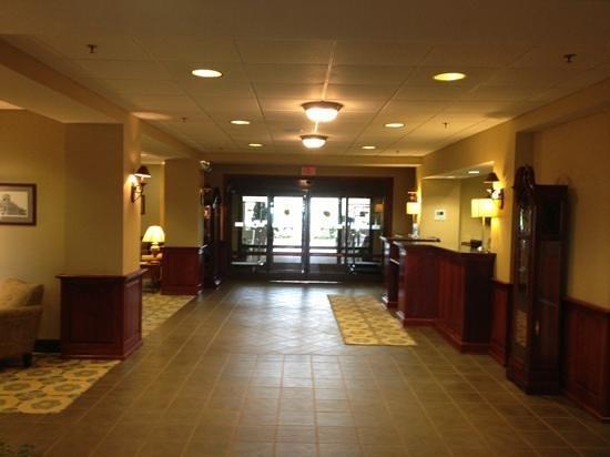 Holiday Inn Express Orange : Lobby.