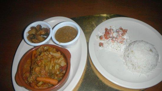 Nash's Sports Bar: vegetarian curry