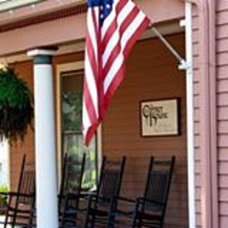 The Corner House Bed and Breakfast: Always prouding displaying the American flag!