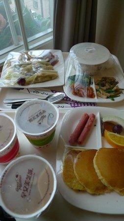 CJ Hotel : 早餐
