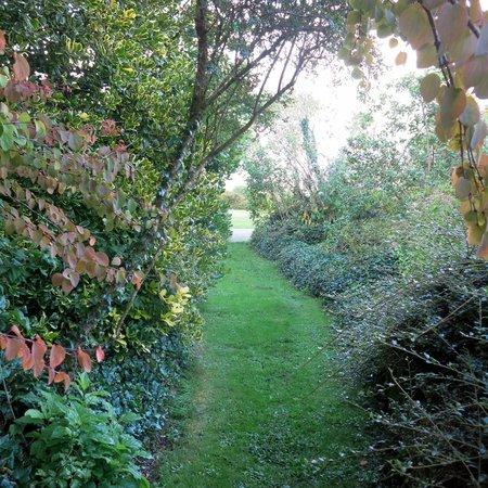 Gregans Castle Hotel : Secret passages in quiet gardens
