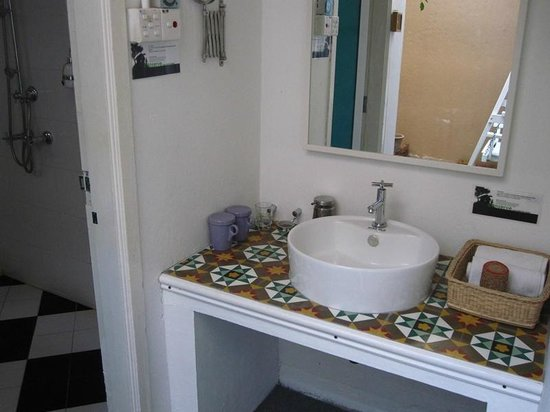 Mango Tree Place - Townhouse 1934: The bathroom that is detached from the room