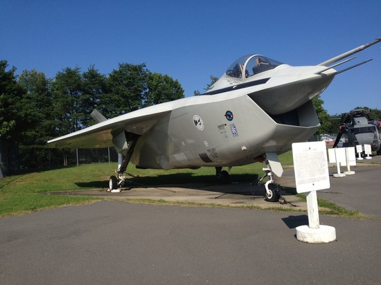 Very rare aircraft on display: Boeing X-32 JSF - Picture of Patuxent