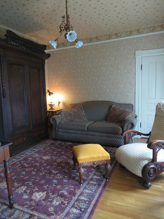 The Historic Dayton house: Sitting Room