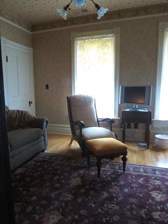 The Historic Dayton house: Other view of sitting room