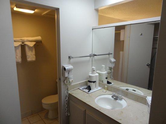 North Temple Inn: Bathroom