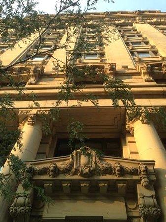 Hôtel St-Paul : beautiful frontage