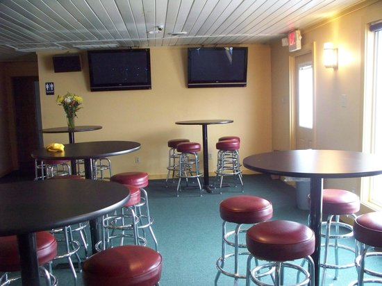 Orion, IL: BBQ PIT Football Watchers