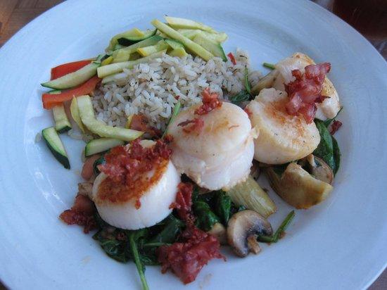 Trinity at City Beach: My scallop dinner