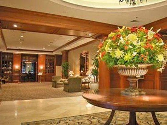 Hilton Alexandria Old Town: Main Lobby