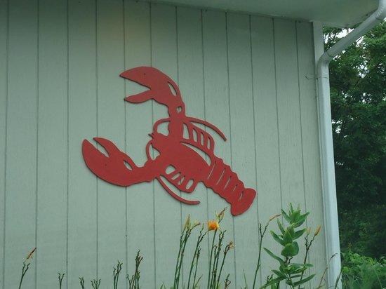 Weathervane Seafood Restaurant: outside of building