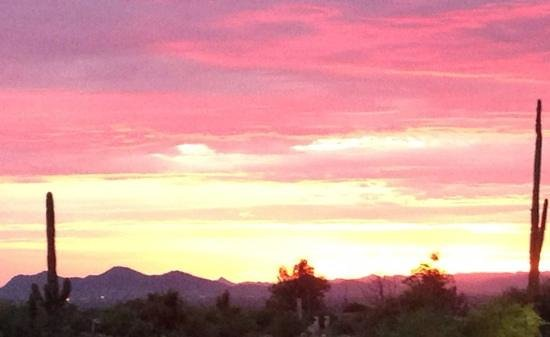 Rancho Manana Resort: Sunset at Cave Creek