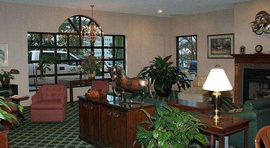 GuestHouse Inn & Suites Little Rock : Lobby