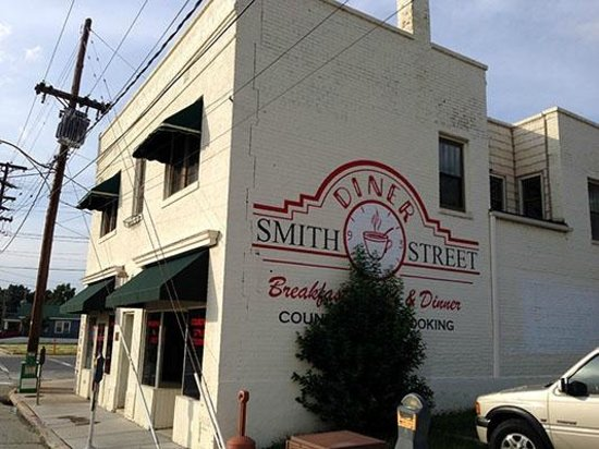 Building Picture Of Smith Street Diner Greensboro