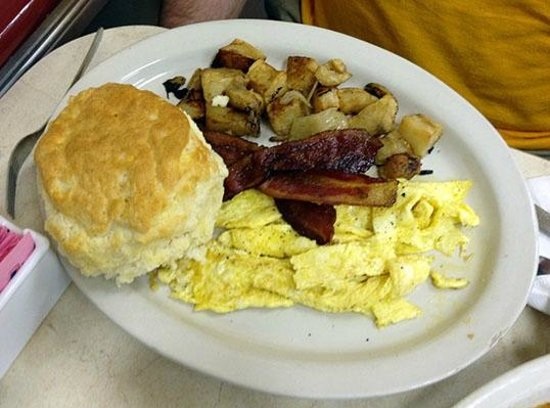 Smith Street Diner: Man Sized Biscuit, Scrambled Eggs, Bacon & Toast