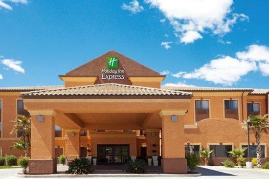 Holiday inn Express & Suites Hesperia: Holiday Inn Express & Suites Victorville Hesperia Hotel Exterior