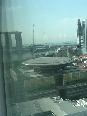 Peninsula Excelsior Hotel: Top Floor View of Marina Bay