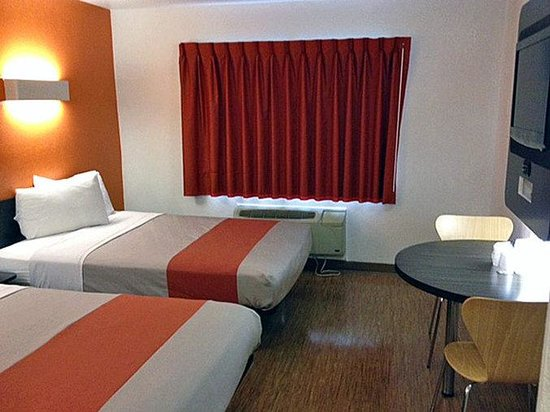 Motel 6 Chicago Northwest Palatine: MDouble
