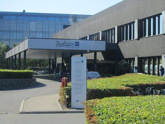 Radisson Blu Royal Hotel Copenhagen: vista de la entrada