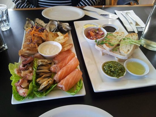 Richmond Food and Wine Centre : Seafood platter for two, plus bread to share with fresh salsa