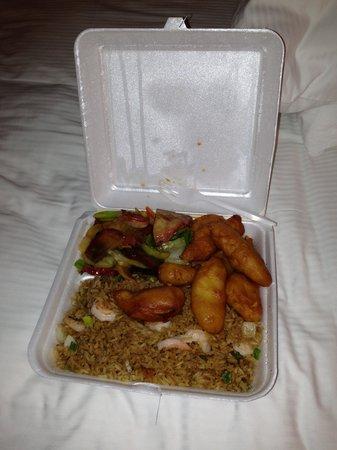 China Wall Chinese Restaurant