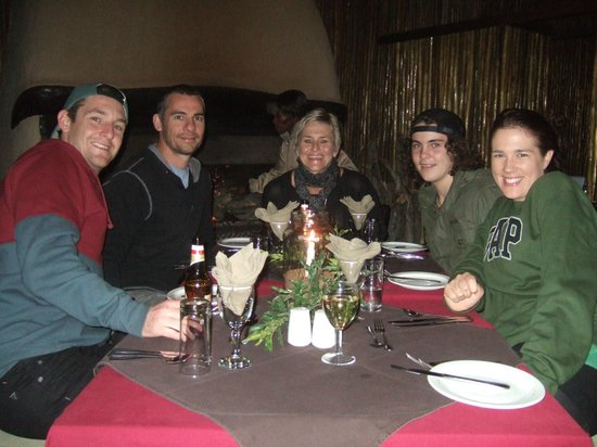 Ubizane Wildlife Reserve: Dinning by the fire........
