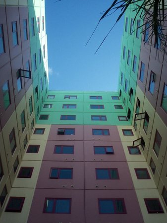 Plum Carlton Serviced Apartments Melbourne In The Courtyard At