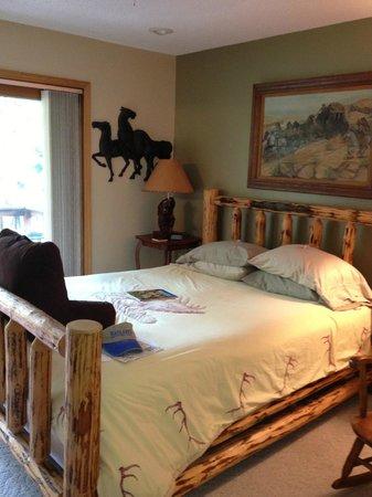 Elk Ridge Bed & Breakfast: Jake room