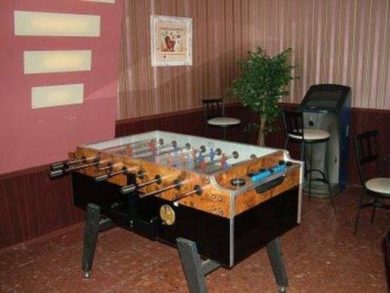 Hotel Touring: Game Room