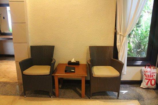 Tonys Villas & Resort: Room