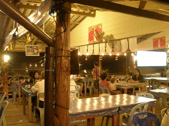 Lanta Seafood: The interior of the restaurant.