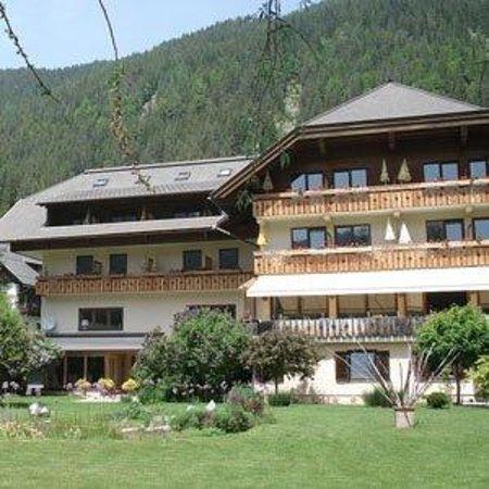 Hotel Alte Post Seeland: Exterior