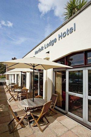Norfolk Lodge Hotel: Al Fresco Area