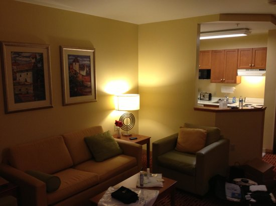 TownePlace Suites Redwood City Redwood Shores : Living room