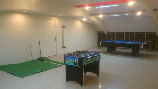 Silver Arch Hotel: GameZone / Conference Hall