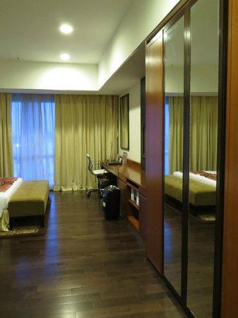 Somerset Greenways Chennai: room