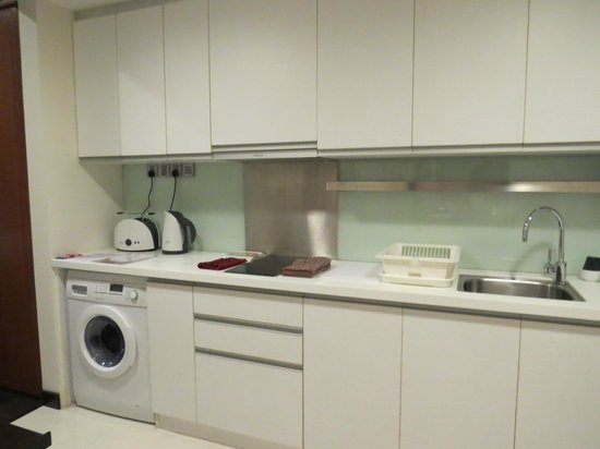 Somerset Greenways Chennai : kitchenette