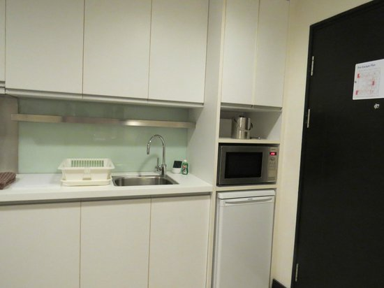 Somerset Greenways Chennai : kitchenette 2