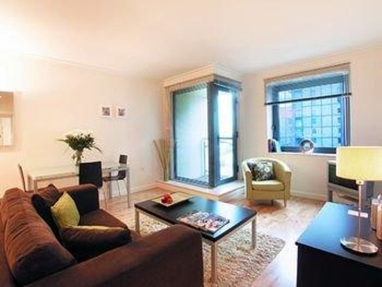 Clarendon Serviced Apartments - Canary Central : DDELounge