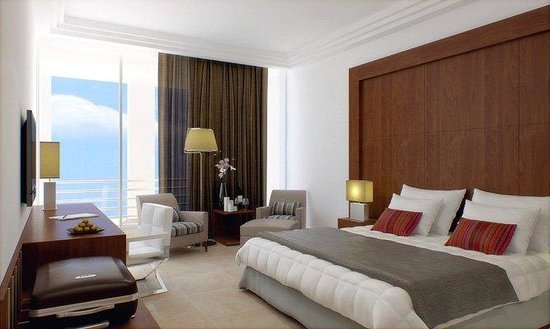 Four Points by Sheraton Tripoli : Suite Bedroom