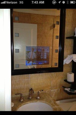 Flatiron Hotel : TV!